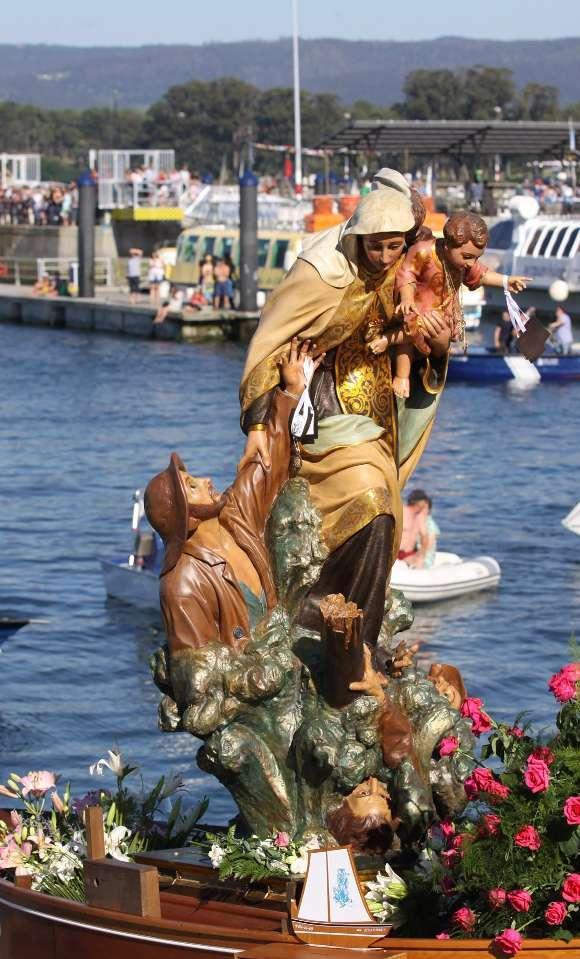 Virgen del Carmen Patrona de los Marinos