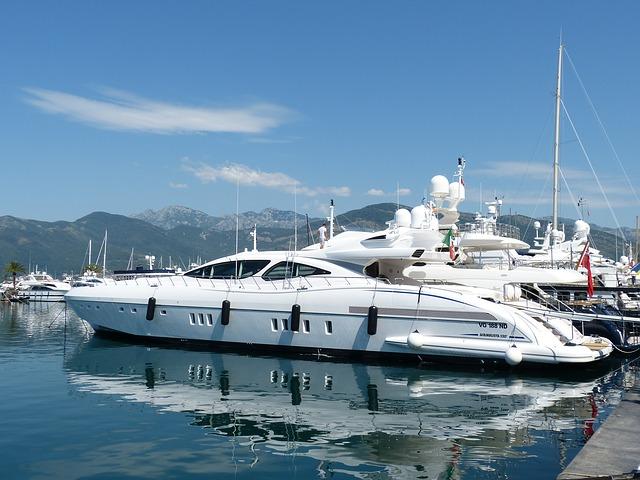 Yate precio barco segunda mano gestor a n utica marinos for Yates de lujo segunda mano